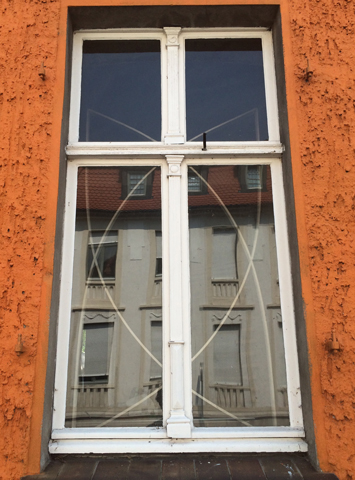 http://verkstad.nl/files/gimgs/th-33_windowoutside.jpg